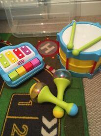Little tykes music set