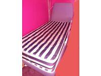 2 Children's beds