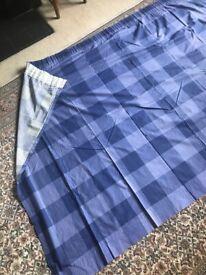 Blue chequered curtains 217 x 139 cm