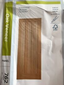 Vertical 3 Panel Oak Vaneer Internal Door - New