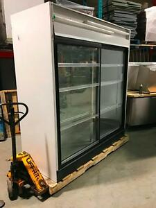 "Frigo a Boisson Douce ""Coldstream"" 6' / 2 Glass Door Soft Drink Cooler 6'"