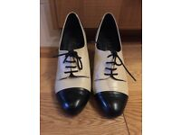Ivory & Black shoes - UK6/EUR39