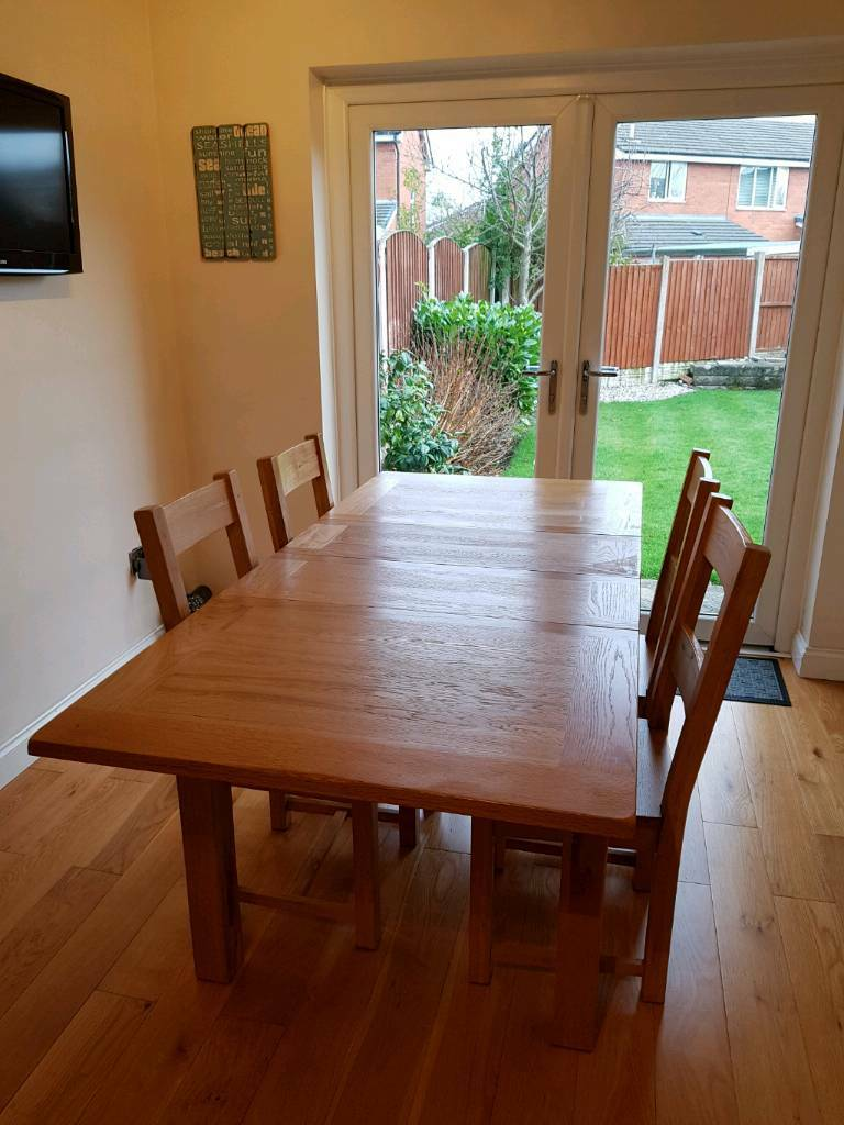 Liverpool Merseyside 40000 Oak Extending Dining Table And 4 Chairs