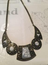 Chunky necklace £7