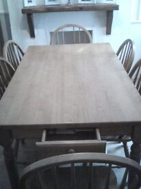 £150. Reduced. large country style family pine dinning table needs to go!