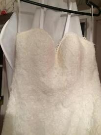 ***MUST SEE*** brand new wedding dress
