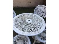 Beautiful garden table & chairs