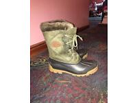 Size 8 Skee-Tex winter boots like new