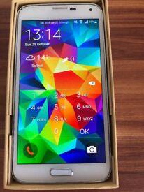 Samsung S5 White 16GB Unlocked with original accessories