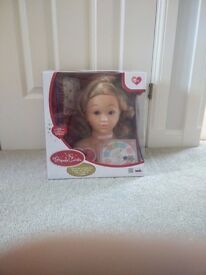 Princess Coralie make up and Styling head BNIB, got duplicate birthday gift, collect stonehaven