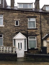 Must view, Clean family 3 bed home in Halifax town centre, HX1 close to Hospital and Train station