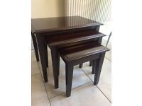 GOOD QUALITY NEST OF TABLES IN A LOVELY GLAZED DARK WOOD, VERY GOOD SOLID CONDITION