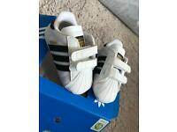 Baby crib shoe trainers