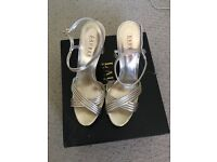 Gorgeous Ralph Lauren gold sandals