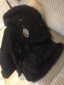 Gorgeous Luxury Italian Ladies Fashion Faux Fur Trim Coat/Cape