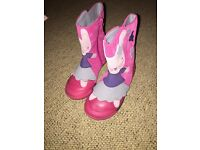 Clarks girls pink rabbit boots size 8G. Perfect condition