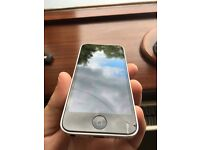 iPhone 5C 32GB White - EE - small crack on screen