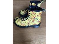 Kids size 6 DR Martens boots