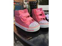 Girls sketchers trainers size 7 flashing
