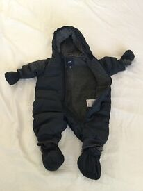 Baby Gap Cozy Bear super warm size 0-6 months