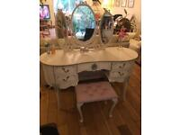 AN ELEGANT FRENCH ANTOINETTE STYLE DRESSING TABLE WITH TRIPLE MIRROR AND STOOL
