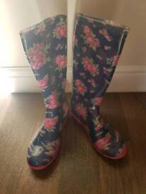 Girls wellies Size 2