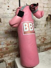 BBE BRITANNIA PUNCH BAG WITH GLOVES