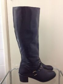 Brand new leather boots in very good condition only £30 size 7