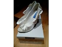 REDUCDE PRICE !!!!ladies wedding/ occasion shoes brand new in box surplus stock