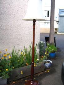 antique vintage solid hard wood standard lamp, floor standing lamp, beautifully turned solid column
