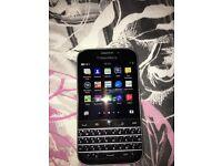 Nearly new blackberry classic on vodaphone 16gig