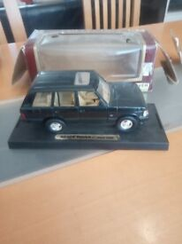 Selling a roadlegends range rover rv urban diecast