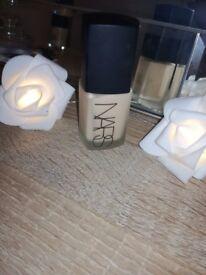 NARS Foundation Sheer Matt Foundation - Shade Light 6