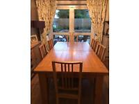 Light Oak dining table vgc. Extendable