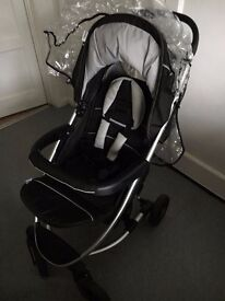 3-1 PRAM, includes car seat, carrycot, raincovers and parasol