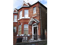 Spacious 2 Double Bed / Bedroom Garden Flat In Kensal Green/Kensal Rise/Queens Park NW10 (Zone 2)