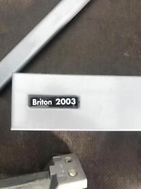 7x Briton 2003 Door closers