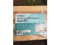 Wickes Softwood Paliside gate kit