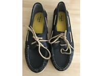 Boys boat shoes size 6