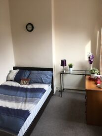 ROOM 3** PERSHORE ROAD** SELLY PARK** MODERNISED** EASILY ACCESSIBLE TO BIRMINGHAM UNI #REF*90