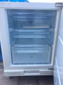 **INTEGRATED UNDERCOUNTER FREEZER**FROST FREE**ELECTROLUX**ONLY 2 YEARS OLD**NO OFFERS**