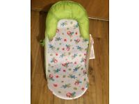 Summer Infant Deluxe Baby bather bath seat - Unisex Caterpillar Design (FROM NEWBORN UP TO 9KG)
