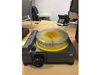Sturdy slide projector