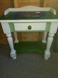 Side table 'owl and pussycat'