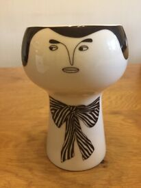 New Flower Me Happy Pot 'Alfonso' by Myer Lavigne