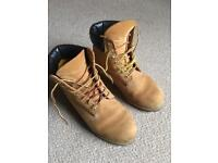 Classic Timberland Boots 8W