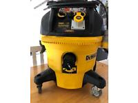 Dewalt M class dust extractor DWV902M Wet and Dry, self cleaning