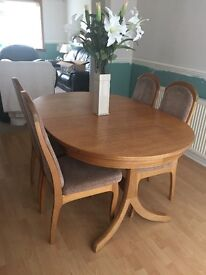 Dining Room table and chairs in teak wood