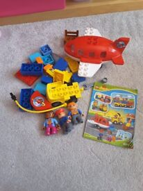 Lego Duplo bundle - airport, supermarket, zoo and 2 read and build sets