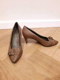 Size 6, Italian, Kallisté tan leather heels